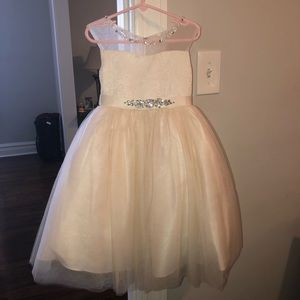 Girls Lace Flower Girl Dress (Champagne 2T)